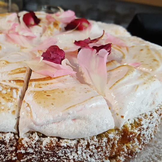 Lemon Rose Swiss Meringue cake